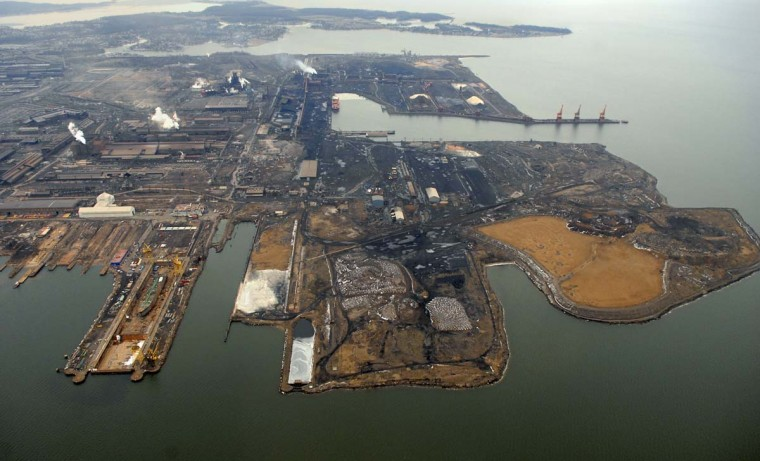 FEBRUARY 20, 2007: Mittal Steel Co. must sell its Sparrows Point mill in a ruling by the Justice Department. (Doug Kapustin/Baltimroe Sun)