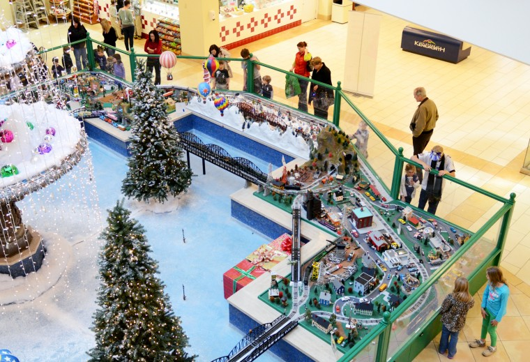 The train garden at The Shops at Kenilworth was the main attraction for those passing through the mall Friday afternoon. (Jon Sham/BSMG)