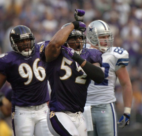 Ray Lewis celebrates after making a tackle in the Ravens' 30-10 win over the Dallas Cowboys on Nov. 21, 2004, at M&T Bank Stadium. (John Makely/Baltimore Sun Photo)