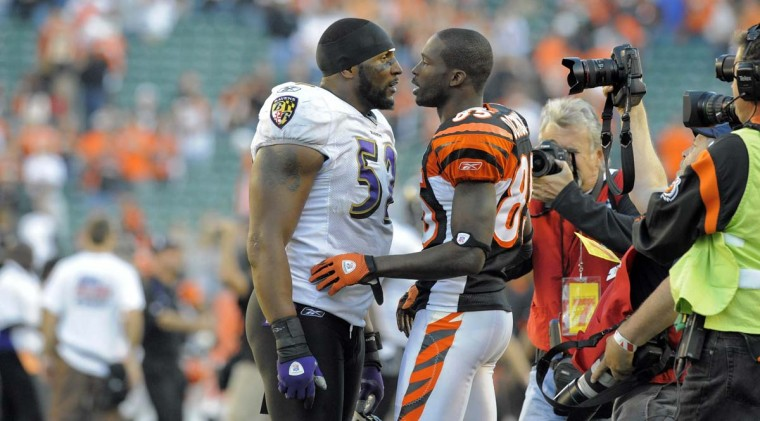Ray Lewis (left) talks with Bengals wide receiver Chad Ochocinco after Cincinnati's 17-7 win on Nov. 8, 2009, at Paul Brown Stadium. (Karl Merton Ferron/Baltimore Sun Photo)