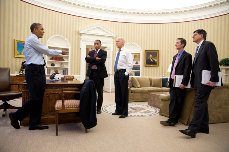 """Dec. 31, 2012: """"The President gives direction on the fiscal cliff negotiations to Rob Nabors, Assistant to the President for Legislative Affairs; the Vice President; Bruce Reed, Chief of Staff to the Vice President, and Chief of Staff Jack Lew in the Oval Office."""" (Official White House Photo by Pete Souza)"""