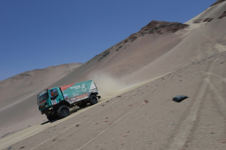 Rene Kuipers of team Iveco competes during the stage from Pisco to Nazca on day three of the 2013 Dakar Rally on January 7, 2013 in Pisco, Peru. (Shaun Botterill/Getty Images)