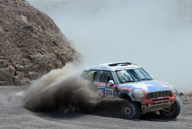 Boris Garafulic and co-pilot Gilles Picard of team Mini compete in stage 5 from Arequipa to Arica during the 2013 Dakar Rally on January 9, 2013 in Arequipa, Peru. (Shaun Botterill/Getty Images)