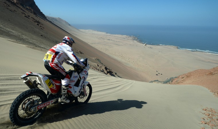 Poland's Jacek Czachor competes during Stage 3 of the Dakar Rally 2013 between Pisco and Nazca, Peru, on January 7, 2013. (Franck Fife/Getty Images)