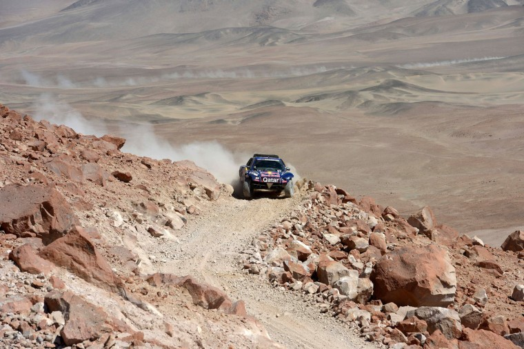 Spain's driver Carlos Sainz competes during Stage 4 of the Dakar 2013 between Nazca and Arequipa, Peru, on January 8, 2013. (Franck Fife/Getty Images)