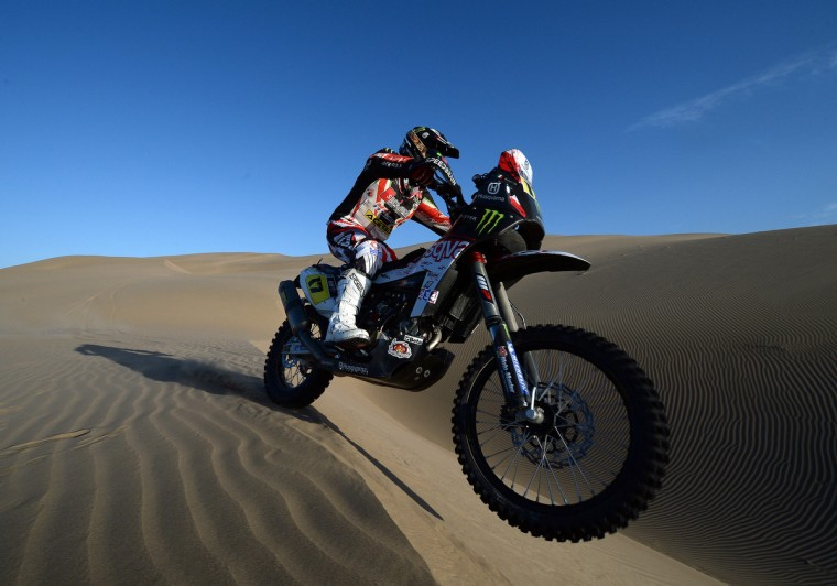 Italia's biker Alessandro Botturi competes during Stage 4 of the Dakar 2013 between Nazca and Arequipa, Peru, on January 8, 2013. (Franck Fife/Getty Images)