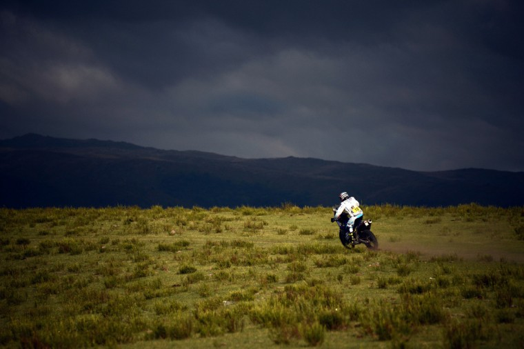 Yamaha's rider David Casteu of France competes during the Stage 9 of the Dakar 2013 between Tucuman and Cordoba, Argentina, on January 14, 2013. (Franck Fife/Getty Images)
