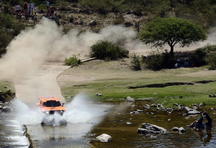 US Robby Gordon steers his Hummer during the Stage 10 of the Dakar 2013 between Cordoba and La Rioja, Argentina, on January 15, 2013. The rally takes place in Peru, Argentina and Chile between January 5 and 20. (Franck Fife/Getty Images)