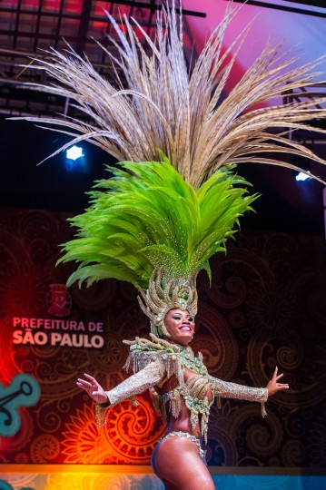 Ariellen da Silva Domiciano (C), new Queen of Sao Paulo's Carnival, dances during the competition for new King, Queen and Princess of the Carnival parade in Sao Paulo, Brazil, late on January 17, 2013. (Yasuyoshi Chiba/AFP/Getty Images)