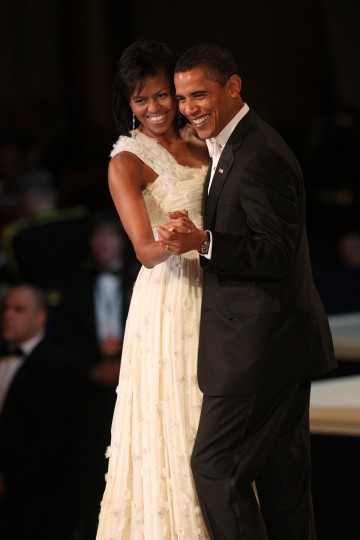 January 20, 2009 — President Barack Obama and First Lady Michelle Obama dance at the Commander in Chief's ball in Washington, D.C., Tuesday, January 20, 2009. (Nancy Stone/Chicago Tribune/MCT)