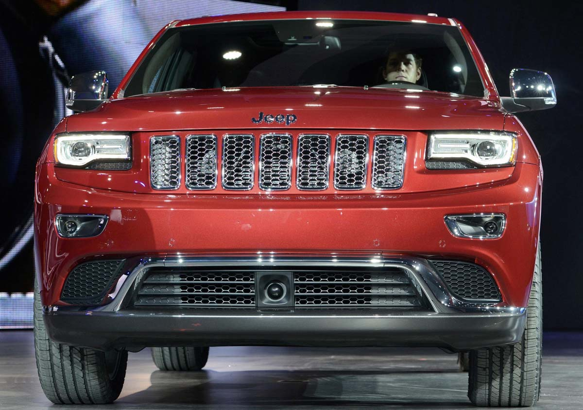 The 2014 Jeep Grand Cherokee Is Introduced At North American New That Looks Like Rober International Auto Show In Detroit