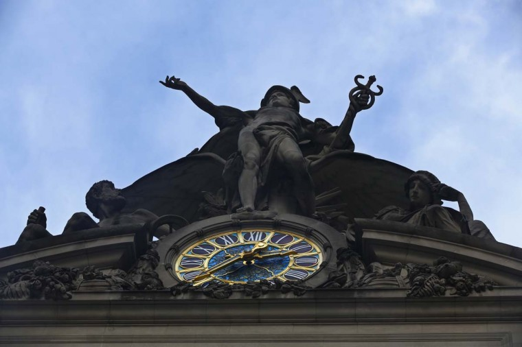 A statue of Mercury sits above the clock over 42nd St. at Grand Central Terminal in New York, January 25, 2013. (Brendan McDermid/Reuters)