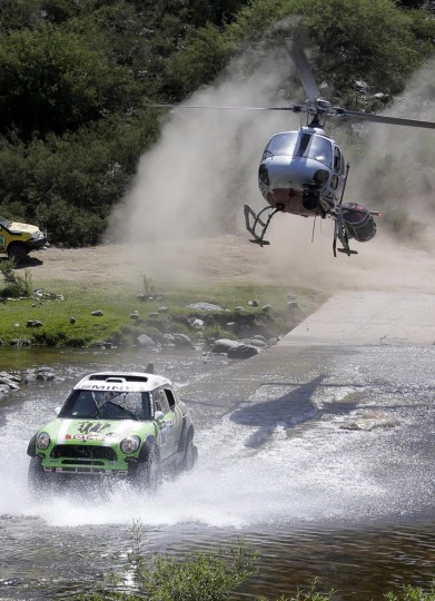 France's Stephane Peterhansel and co-pilot Jean-Paul Cottret compete with their Mini during the 10th stage of the Dakar Rally 2013 from Cordoba to to La Rioja, January 15, 2013. (Jacky Naegelen/Reuters)