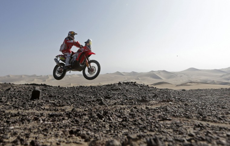Portugal's Helder Rodrigues rides his Honda during the 3rd stage of the Dakar Rally 2013 from Pisco to Nazca January 7, 2013. (Jacky Naegelen/Reuters)