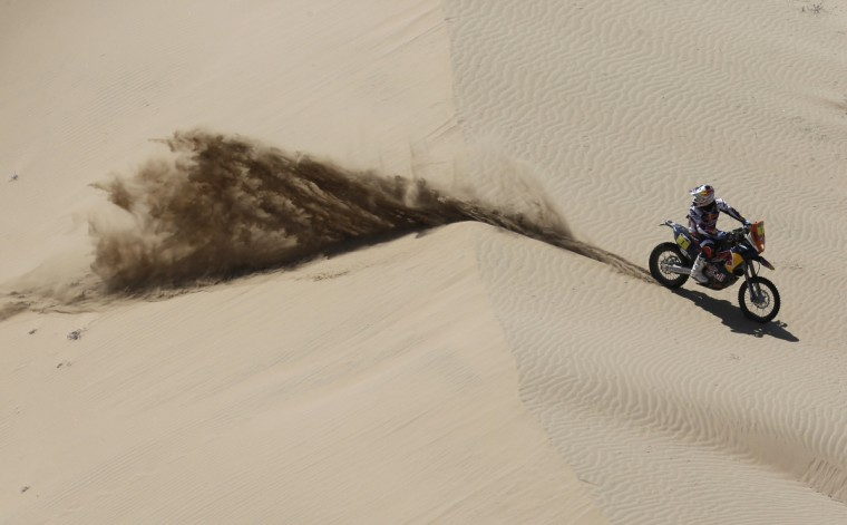 France's Cyril Despres rides his KTM during the 12th stage of the Dakar Rally 2013 from Fiambala to Copiapo, January 17, 2013. (Jacky Naegelen/Reuters)