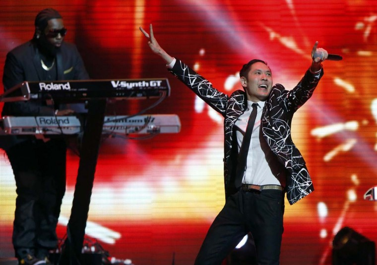 Kev Nish (R) of Far East Movement performs at the Kids Inaugural concert for children and military families, one of the events ahead of the second-term inauguration of U.S. President Barack Obama in Washington January 19, 2013. (Jonathan Ernst/Reuters)