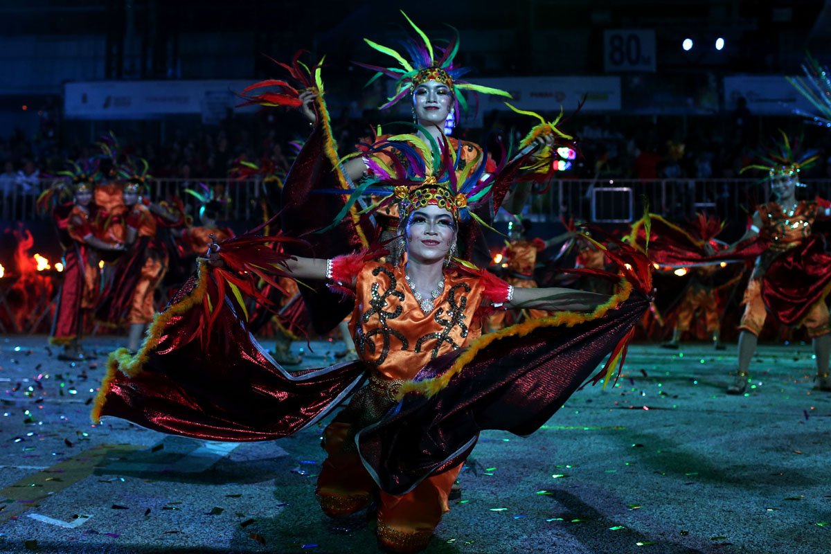 Feb. 22 Photo Brief: Chingay Parade, Purim celebrations, Irish dancing competition and Hyderabad prayers