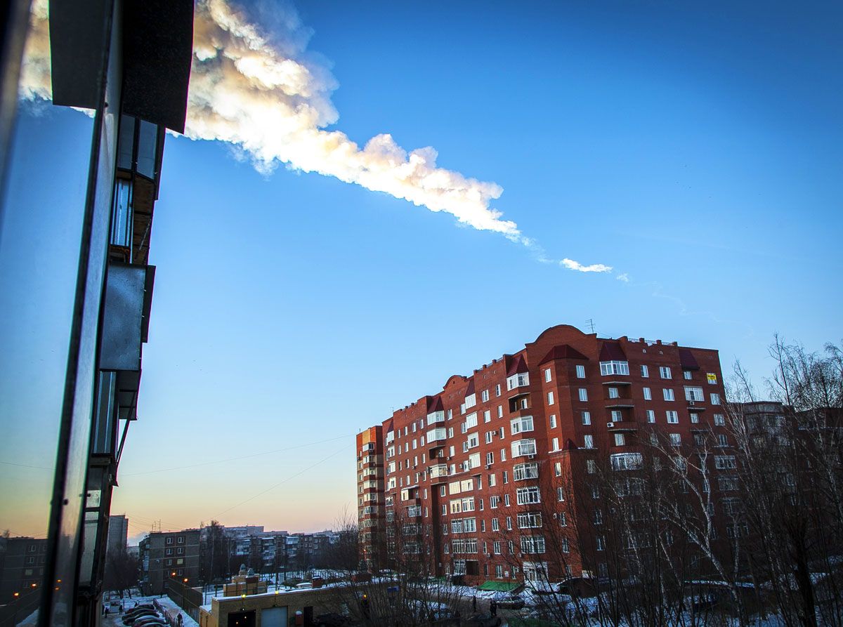Meteorite hits central Russia, hundreds injured