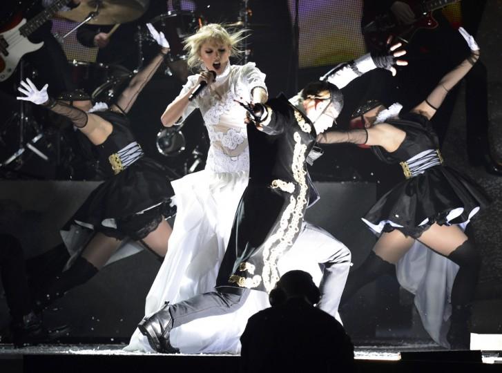 U.S. singer Taylor Swift performs during the BRIT Awards, celebrating British pop music, at the O2 Arena in London. (Dylan Martinez/Reuters)