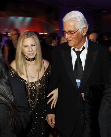 Barbra Streisand and James Brolin are photographed at the Governors Ball after the 85th Academy Awards in Hollywood, California February 24, 2013. (Lucas Jackson /Reuters photo)