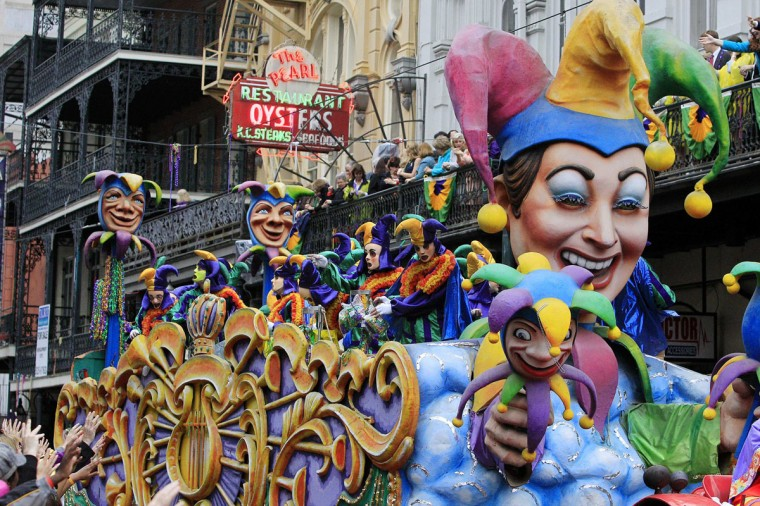 A float is seen in the parade down St. Charles Avenue on Mardi Gras Day in New Orleans, Louisiana February 12, 2013. (Sean Gardner/Reuters)
