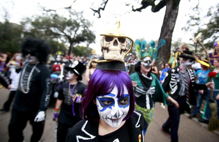Members of the Krewe of Okeanos parade down St. Charles Avenue during the weekend before Mardi Gras in New Orleans, Louisiana February 10, 2013. (Sean Gardner/Reuters)