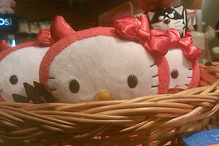 11 a.m.: Basket of Hello Kittys. (Photo by fa77mann)