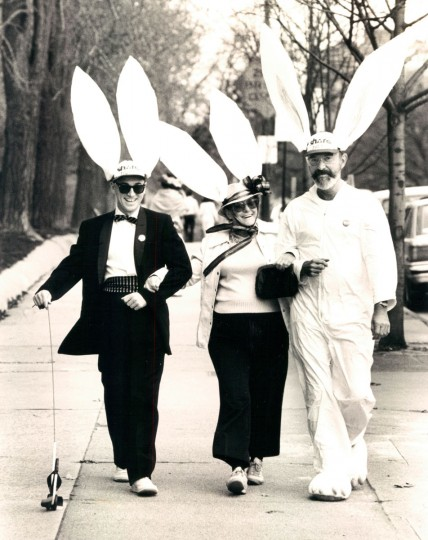 Rose Lubowicki (center), Phil Cooper (right) and a friend walk down Charles Street near Wyman Park in 1985. (Paul Hutchins, The Baltimore Sun)