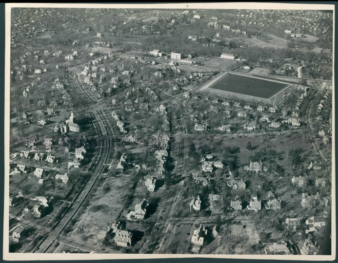 Baltimore's Sherwood Gardens Guilford neighborhood seen from the air in 1938. (Baltimore Sun File Photo)