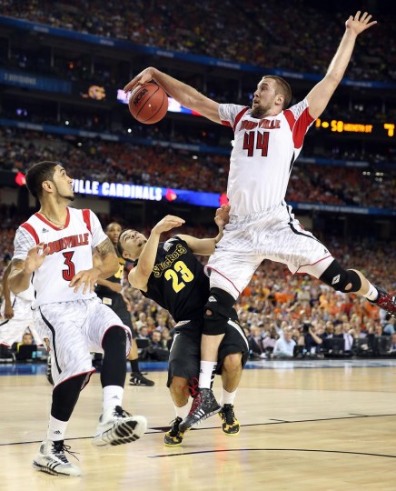 Stephan Van Treese #44 of the Louisville Cardinals blocks a shot attemptm in the second hal fagainst Fred VanVleet #23 of the Wichita State Shockers during the 2013 NCAA Men's Final Four Semifinal at the Georgia Dome on April 6, 2013 in Atlanta, Georgia. (Andy Lyons/Getty Images)