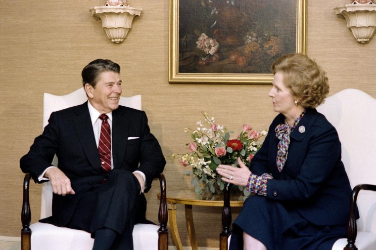 A picture dated October 23, 1985 shows then US President Ronald Reagan (L) holding bilateral meeting with British Prime Minister Margaret Thatcher (R) at the Waldorf Astoria Hotel in New York. (Mike Sargent/AFP/Getty Images)