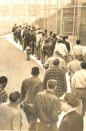 Detainees march through the jail yard for breakfast 1961. (Baltimore Sun File Photo)