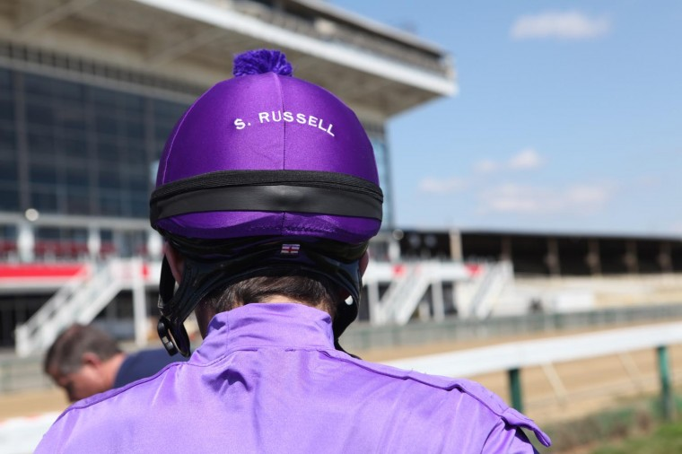 Behind-the-scenes at the Preakness-inspired Sun fashion shoot at Pimlico. (Stokely/Baltimore Sun)