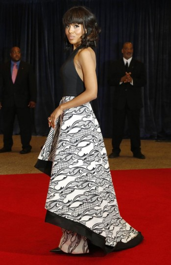Actress Kerry Washington arrives on the red carpet at the annual White House Correspondents' Association dinner in Washington, April 27, 2013. (Jonathan Ernst/Reuters)