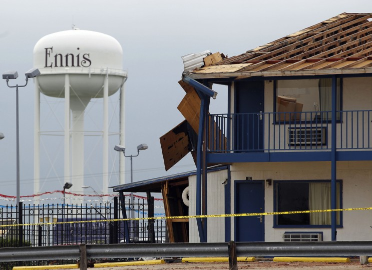 The Ennis Inn shows a damaged roof in Ennis, Texas, Thursday, May 16, 2013, after a storm passed through the area. (Vernon Bryant/Dallas Morning News/MCT)