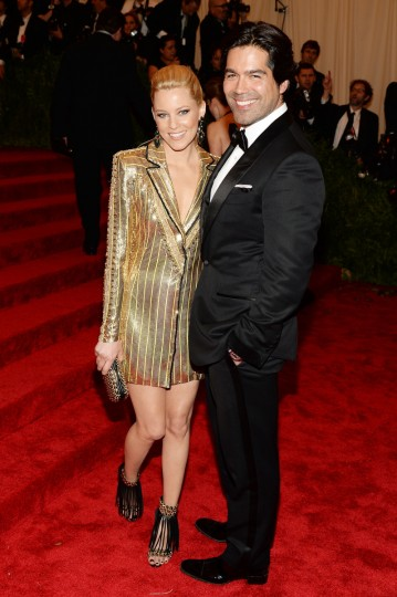 "Elizabeth Banks and Brian Atwood attend the Costume Institute Gala for the ""PUNK: Chaos to Couture"" exhibition at the Metropolitan Museum of Art on May 6, 2013 in New York City. (Dimitrios Kambouris/Getty Images)"