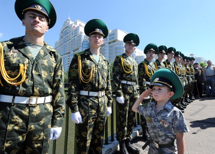 Belarus Border Guards celebrate their agency's day in Minsk on May 28, 2013. (Viktor Drachev/AFP/Getty Images)