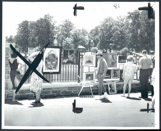 May 20, 1963: Art lovers study the works on display around Druid Hill Park lake at the Baltimore Outdoor Art Festival. Nearly 400 artist participated. (William H. Mortimer/Baltimore Sun)