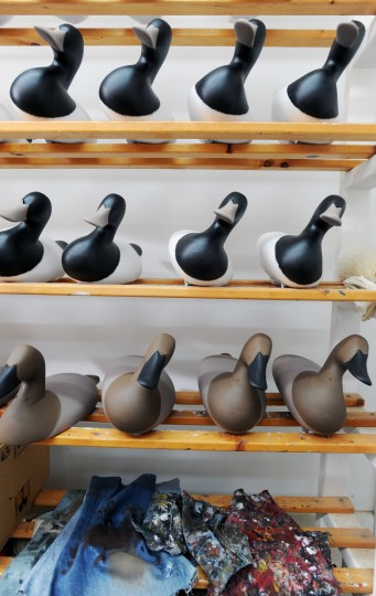 Duck decoys in various stages of painting by their maker Bryon Bodt. (Kenneth K. Lam/Baltimore Sun)