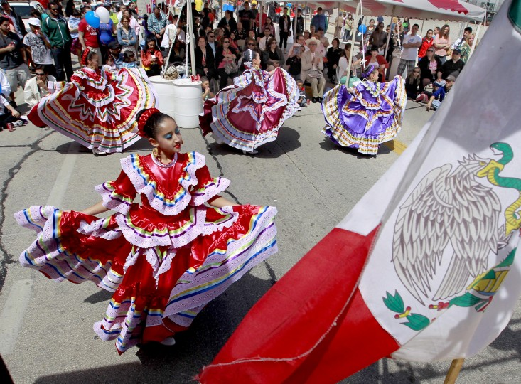 Members of Dance Academy of Mexico perform during Cinco de Mayo celebrations in Milwaukee, Wisconsin. (Rick Wood/Milwaukee Journal Sentinel/MCT)