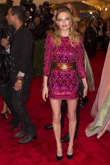 "Actress Kate Bosworth arrives at the Metropolitan Museum of Art Costume Institute Benefit celebrating the opening of ""PUNK: Chaos to Couture"" in New York, May 6, 2013. (Lucas Jackson/Reuters)"