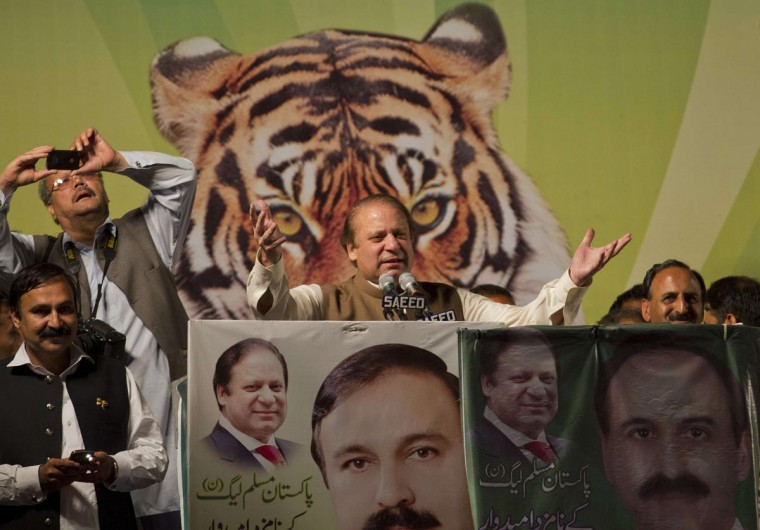 Nawaz Sharif (C), leader of political party Pakistan Muslim League - Nawaz (PML-N), addresses an election rally in Islamabad May 5, 2013. Pakistan's general elections will be held on May 11. (Mian Khursheed/Reuters)