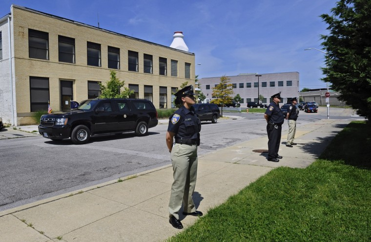President Barak Obama, riding in a motorcade, leaves the Center for Urban Families (CFUF) concluding his three-stops Middle Class Jobs and Opportunity Tour in Baltimore. (Kenneth K. Lam/Baltimore Sun)
