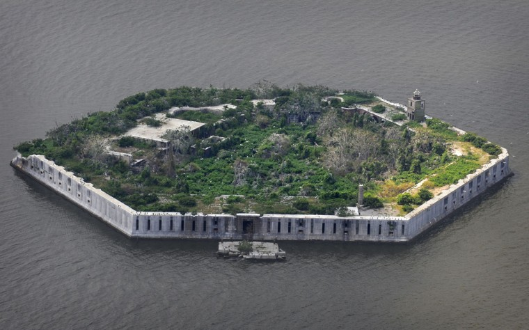 Fort Carroll is photographed from a helicopter in 2009. (Lloyd Fox / The Baltimore Sun)