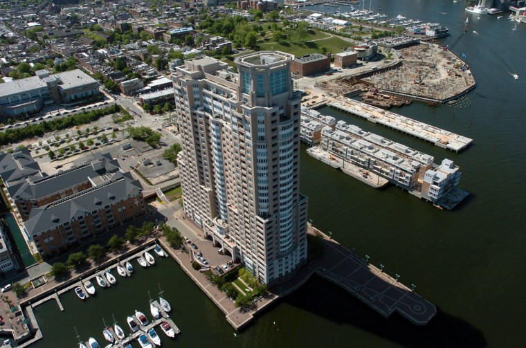 HarborView Marina and Yacht Club is photographed from a helicopter in 2006. (Kim Hairston / The Baltimore Sun)