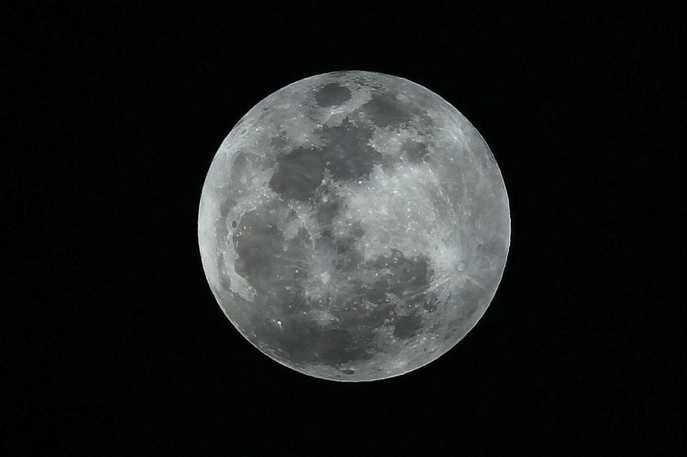"A view of the ""supermoon"" is seen from Veracruz May 5, 2012. (Martin Lara Reyna /Reuters)"