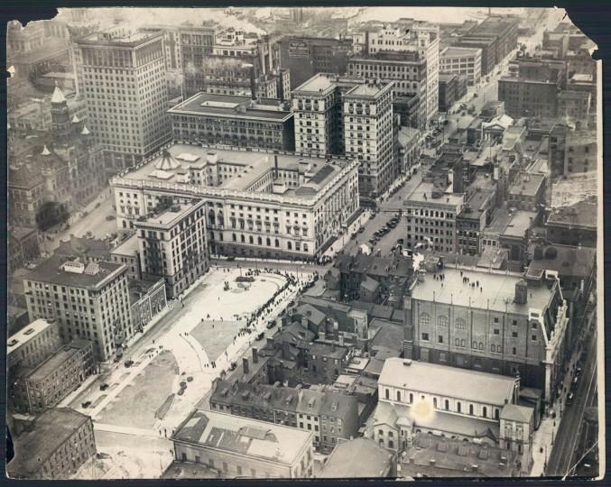 Downtown Baltimore in 1923. (Baltimore Sun File Photo)