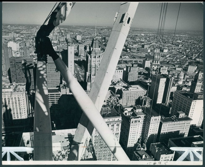 Workers finish the USF&G Building -- now called the Transamerica Tower -- in 1973. (Baltimore Sun File Photo)