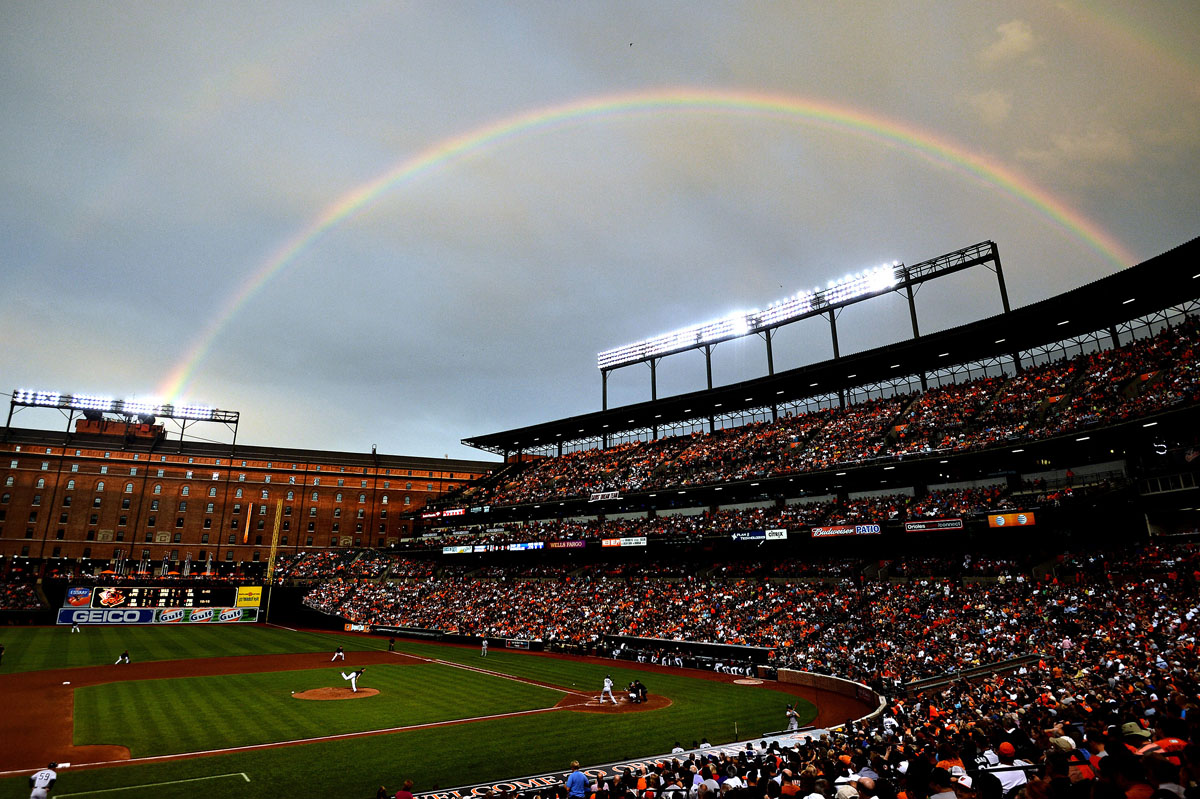 Striking rainbow shines in Baltimore