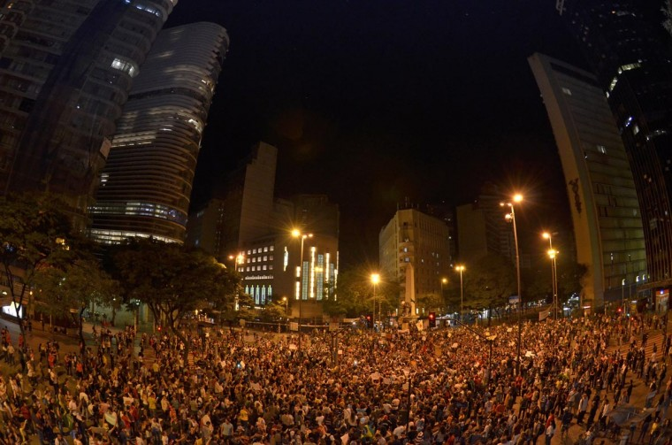 People gather at the September 7 square on June 18, 2013 in Belo Horizonte, state of Minas Gerais. (Douglas Magno/AFP/Getty Images)